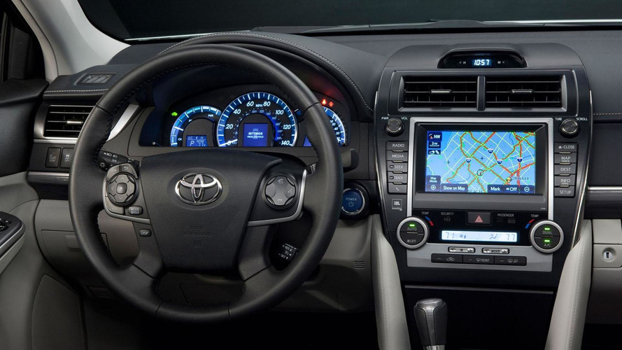 2013 toyota camry gains upgraded interior new equipment. Black Bedroom Furniture Sets. Home Design Ideas