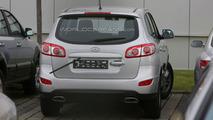2010 Hyundai Sante Fe facelift spy photos in Death Valley