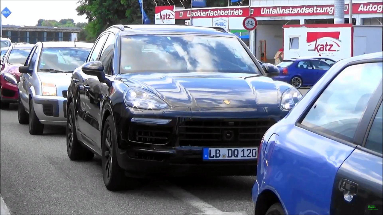 2018 Porsche Cayenne Spy Video