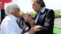 Bernie Ecclestone (GBR) with Luca di Montezemolo (ITA) / XPB Images