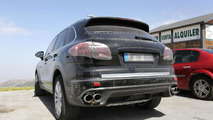 2015 Porsche Cayenne facelift spy photo 06.08.2013