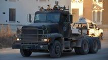 Autonomous military truck escort trial run in Texas looks quite scary [video]