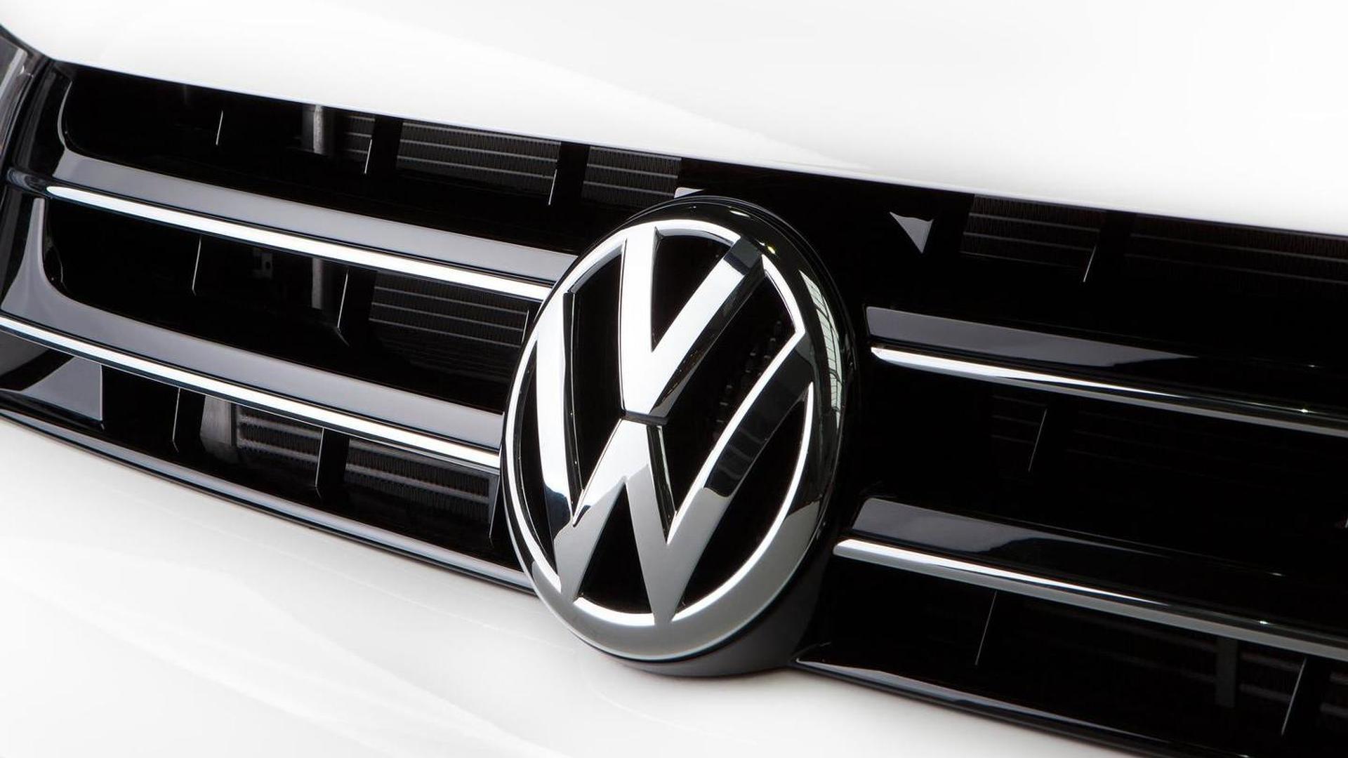 Логотип VW в радиаторной решетке Transporter