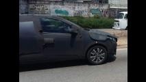 Flagra! Novo Fiat Punto terá ESP, start-stop e câmbio automático (veja painel)