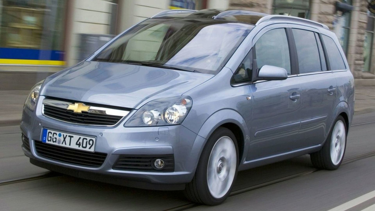 Opel Zafira with Chevrolet badge