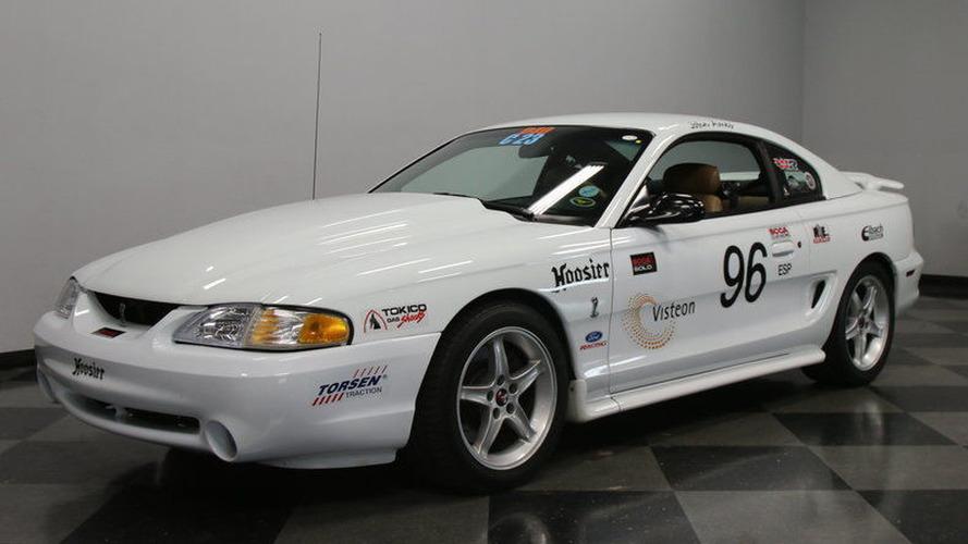 Son derece nadir 1995 model Ford Mustang SVT Cobra konsepti eBay'de