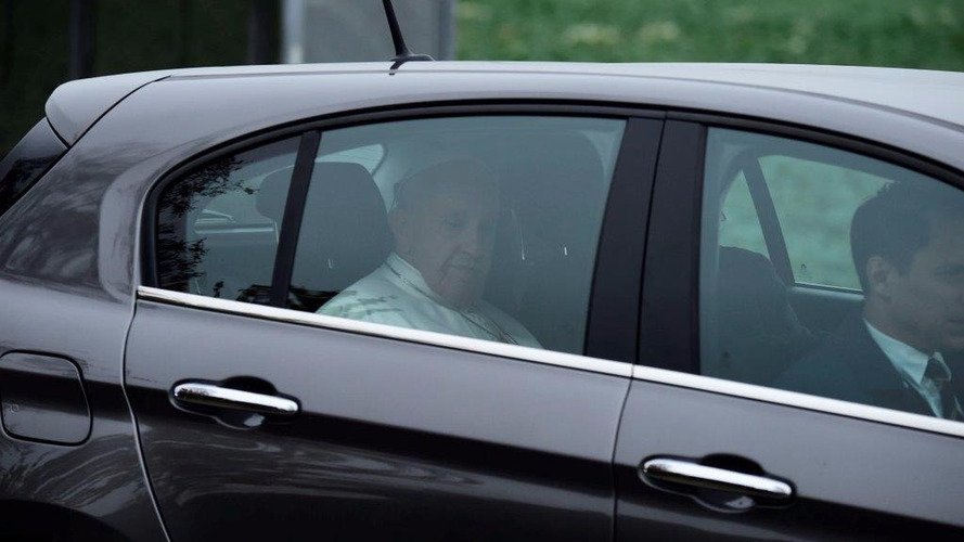 Pape Francois 1er Fiat Tipo