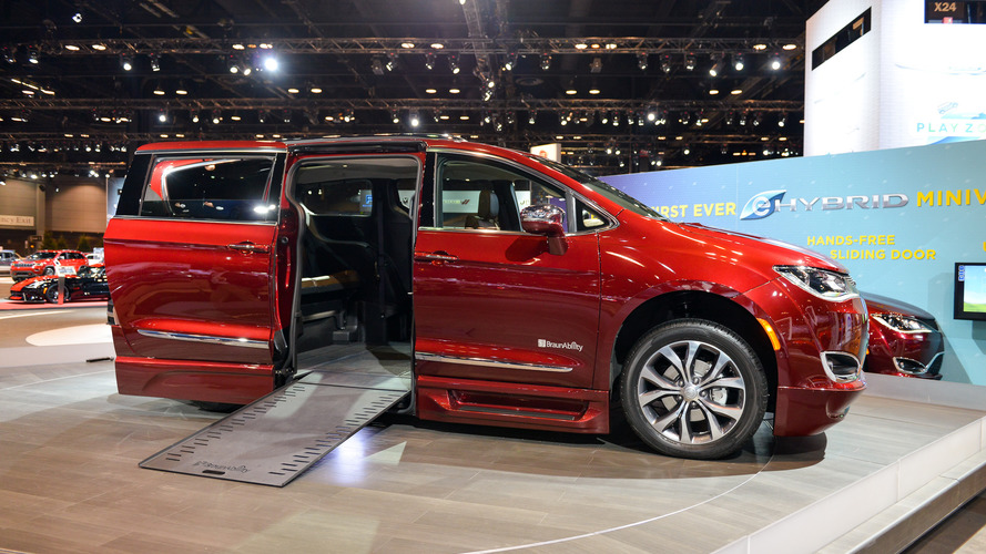 Chrysler, BraunAbility launch wheelchair-accessible Pacifica