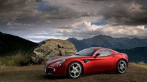Alfa Romeo 8C Competizione plays in the snow [video]