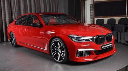Así es el BMW M760Li xDrive 2017 vestido de Rojo Imola