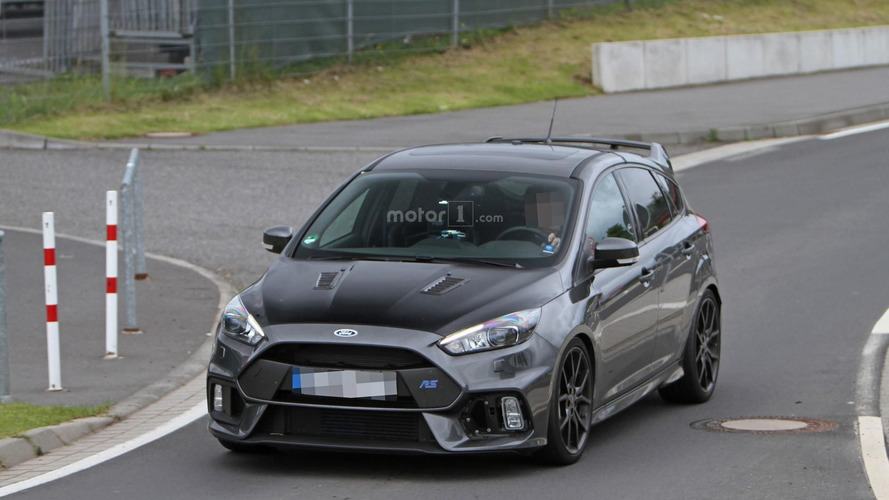 Ford Focus RS500 spy photos