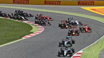 Nico Rosberg, Mercedes AMG F1 W07 Hybrid leads team mate Lewis Hamilton at the start of the race