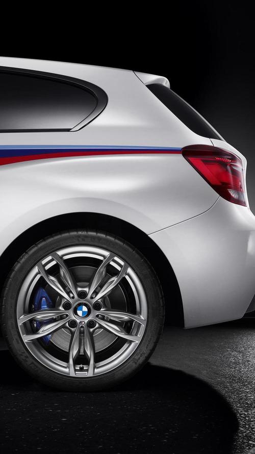 BMW  M135i concept revealed in Geneva [video]