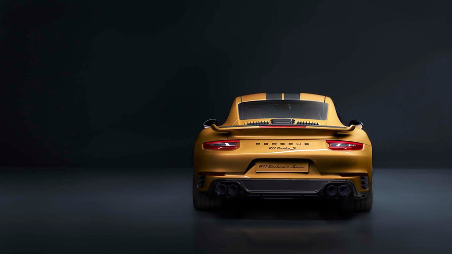 PHOTOS - La Porsche 911 Turbo S Exclusive Series prend la pose