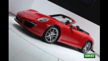 Direto de Detroit: Novo Porsche 911 Carrera Cabriolet é destaque da marca