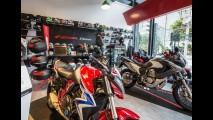 Honda inaugura 'loja museu' em São Paulo com acervo dos últimos 50 anos