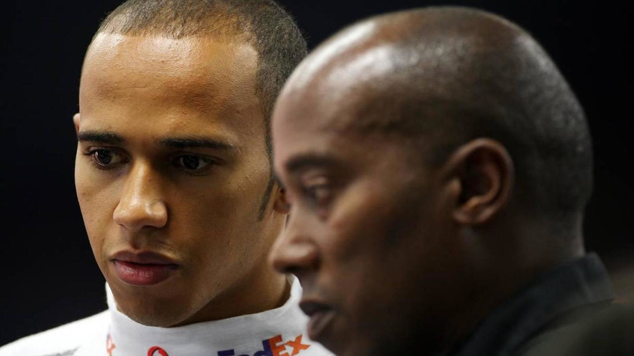 Hamilton 'suffocated' by father and Dennis - Whitmarsh