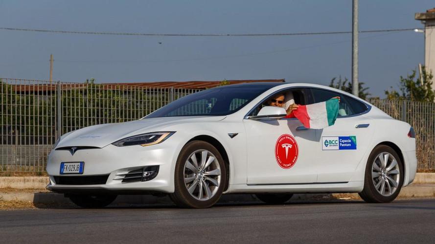 Une Tesla Model S roule plus de 1000 km en une seule charge