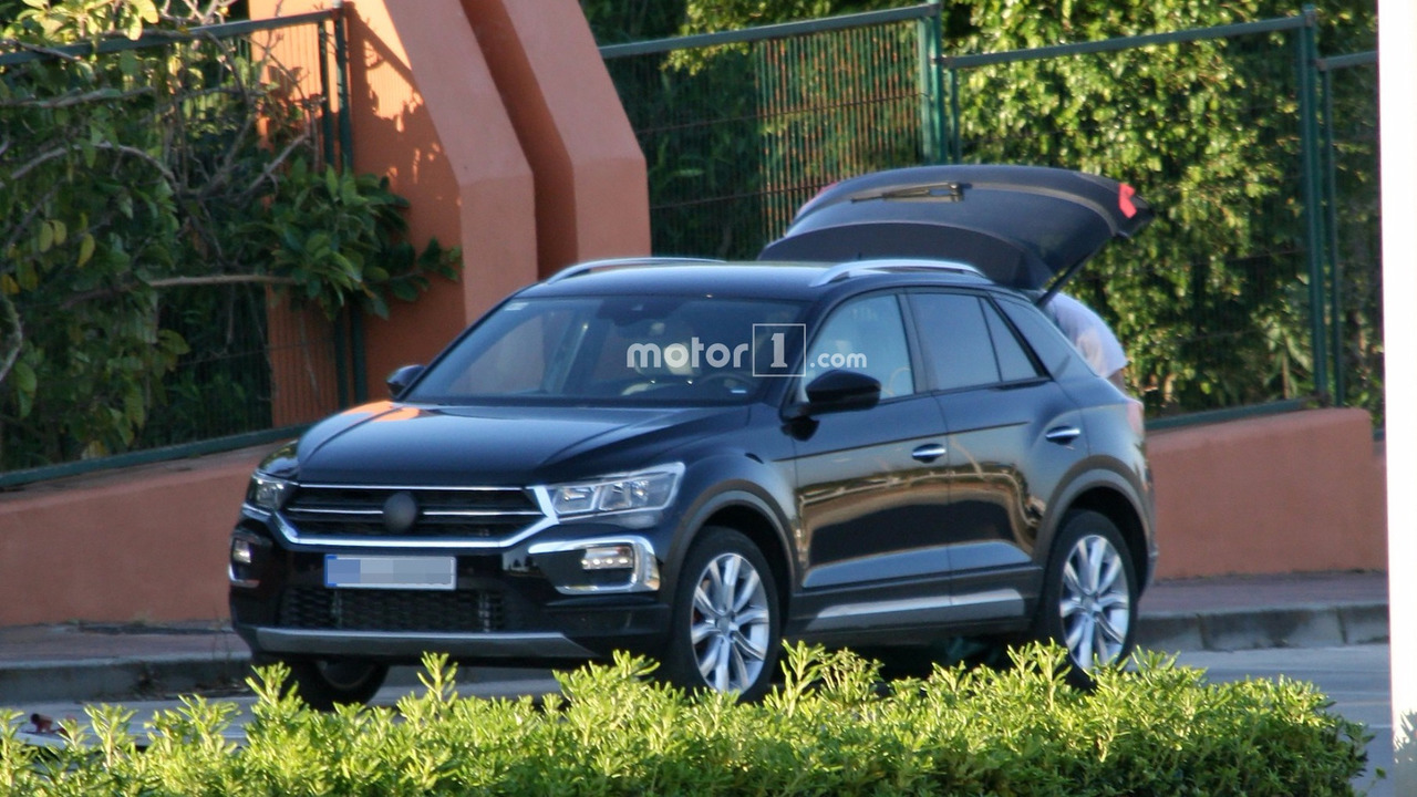 2018 vw t roc spy photo photo. Black Bedroom Furniture Sets. Home Design Ideas