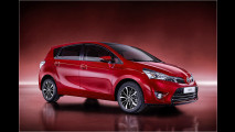 Toyota strahlt in Tokio-Rot