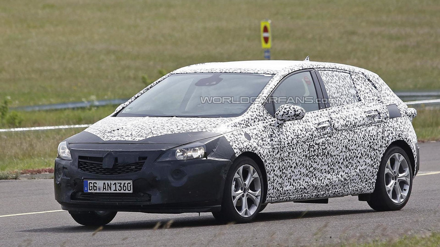 2016 Opel / Vauxhall Astra spied up close