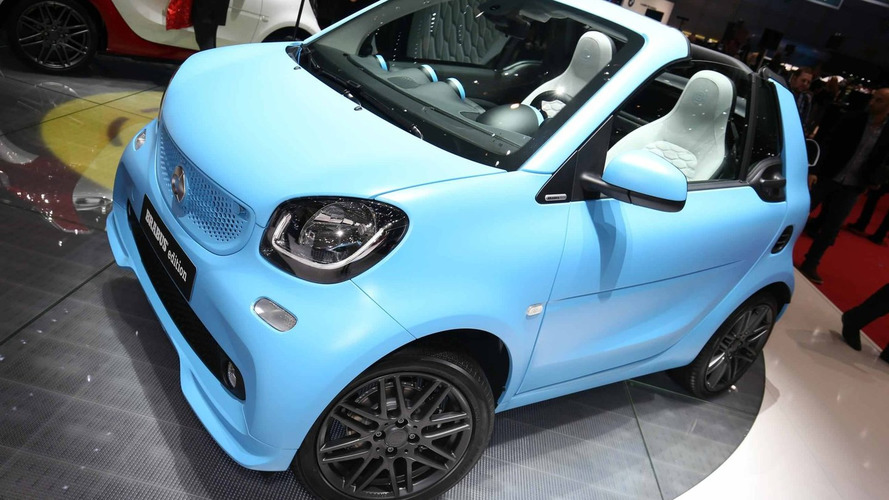 Smart fortwo cabrio puts very expensive Brabus suit for Geneva