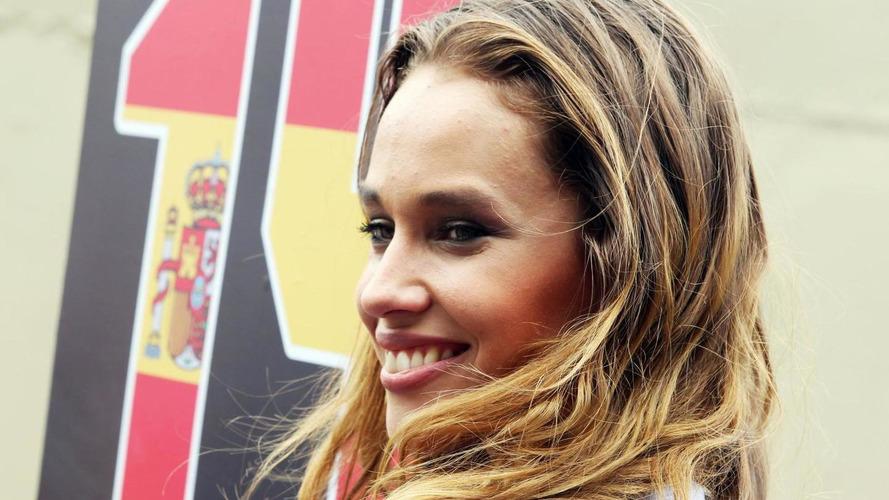 Ecclestone wants 'glamorous ladies' on grid