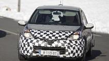 2013 Renault Clio mule spied 22.09.2011