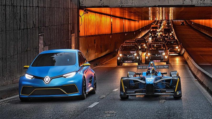 Watch Renault Zoe e-Sport Concept, Formula E Racer Cruise Paris