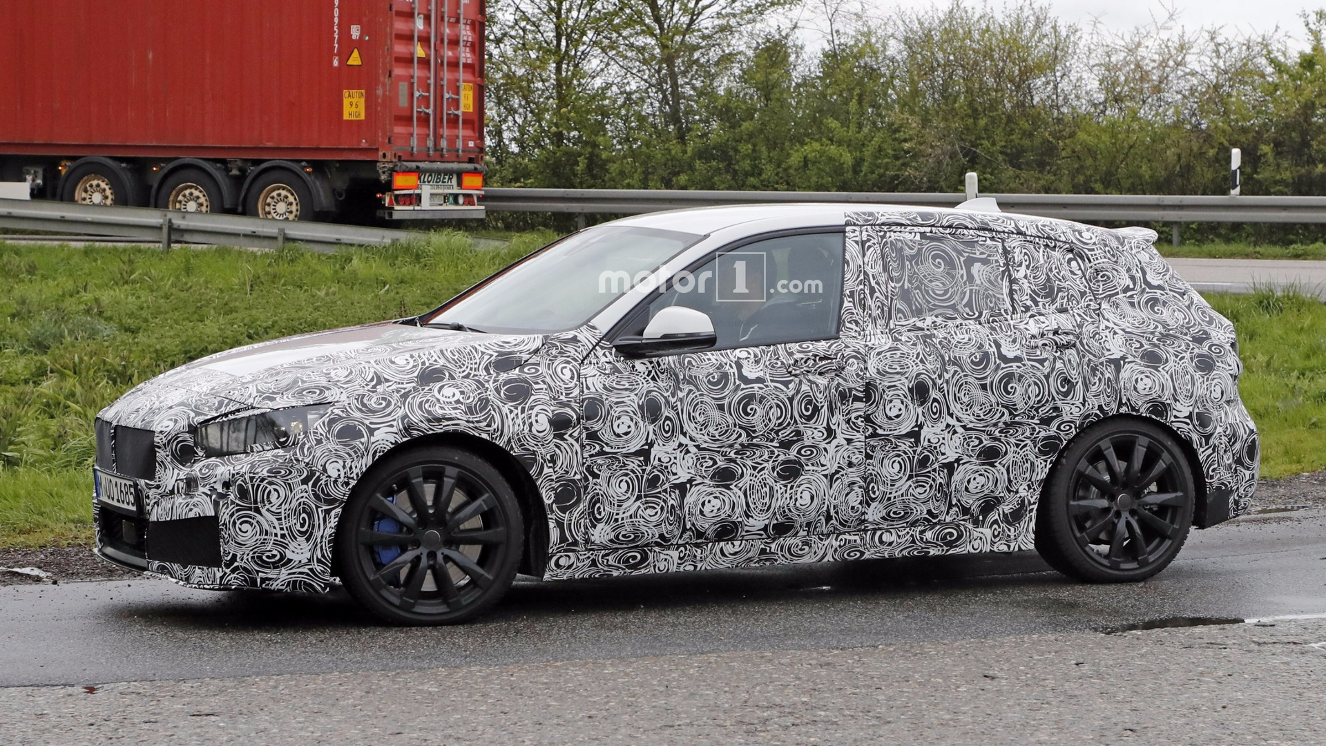 2019 bmw 1 series spied possibly in m140i spec. Black Bedroom Furniture Sets. Home Design Ideas