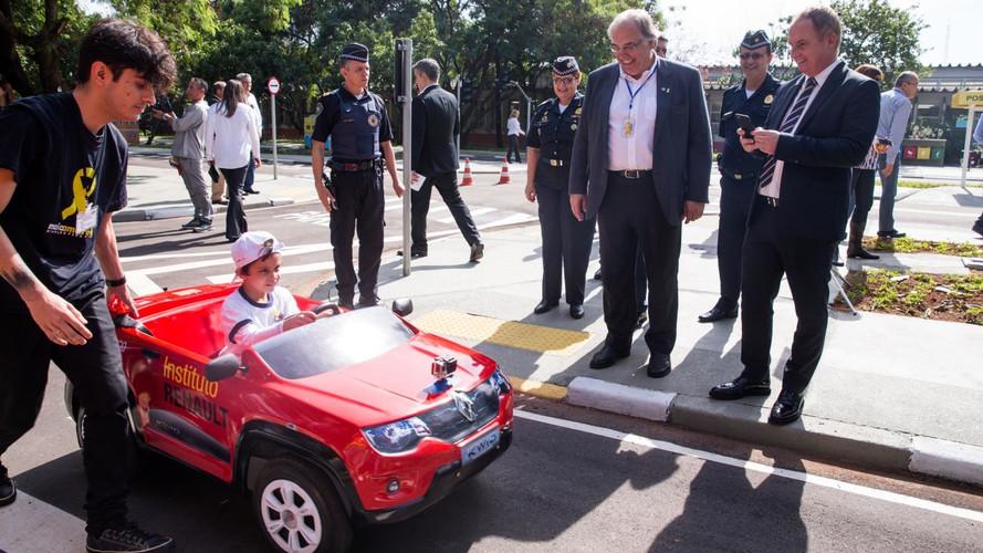 Renault adere ao Maio Amarelo em campanha de educação no trânsito