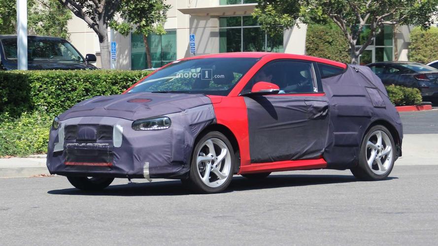 Flagra - Hyundai Veloster 2019 na Califórnia