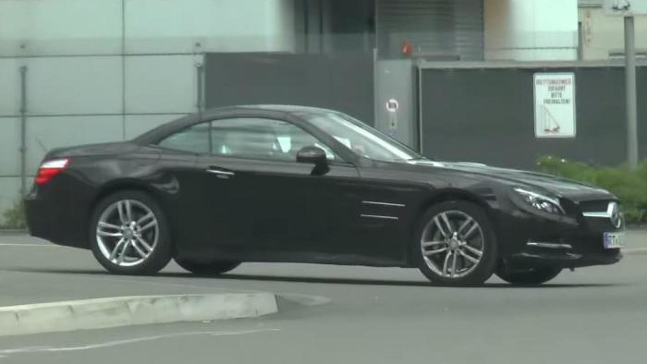 2016 Mercedes-Benz SL facelift screenshot from spy video