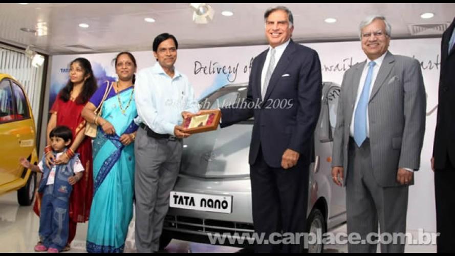 Carro mais barato do mundo: Ratan Tata entrega as primeiras unidades do Nano