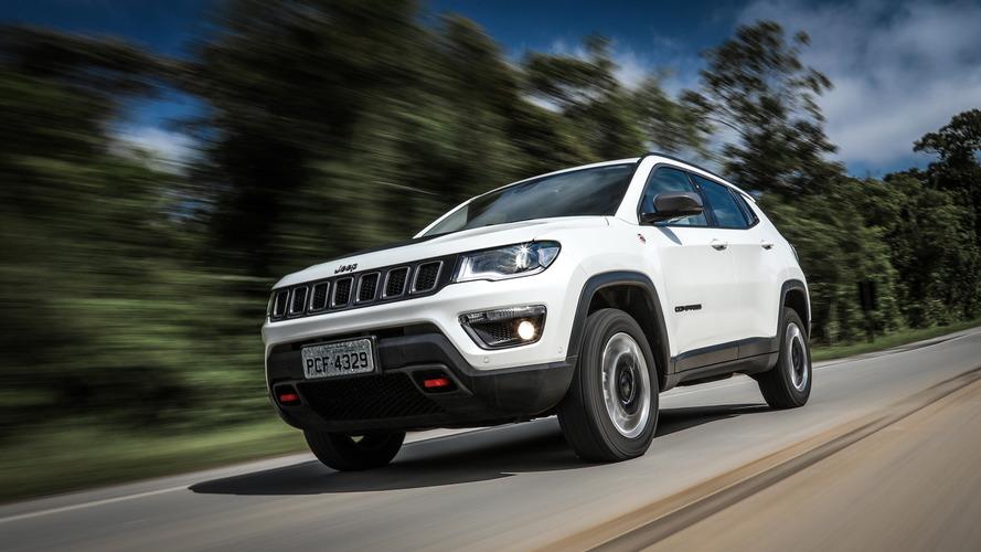 Jeep Compass tem 1.400 unidades convocadas por falha na transmissão