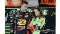 Tony Stewart, Stewart-Haas Chevrolet, Danica Patrick, Stewart-Haas Racing Chevrolet (top)
