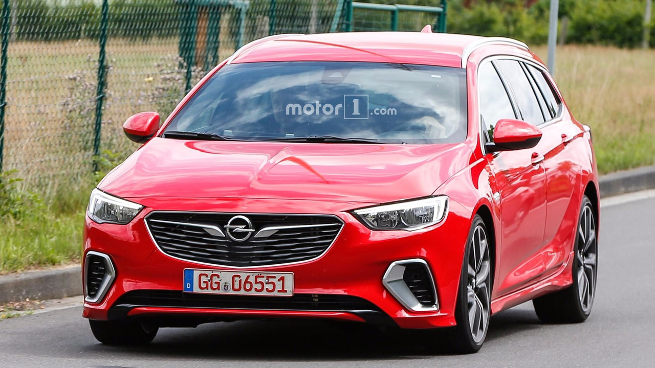 2018 Opel Insignia GSi Sports Tourer spy photo
