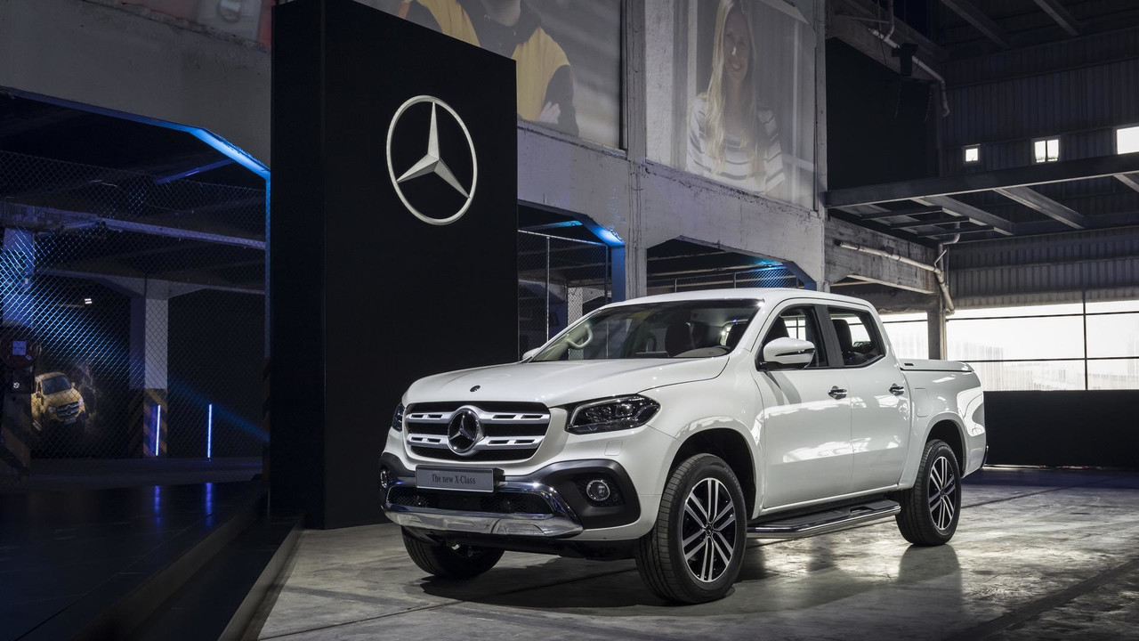 2018 mercedes x class pickup debuts with 190hp off road chops for Mercedes benz x class price