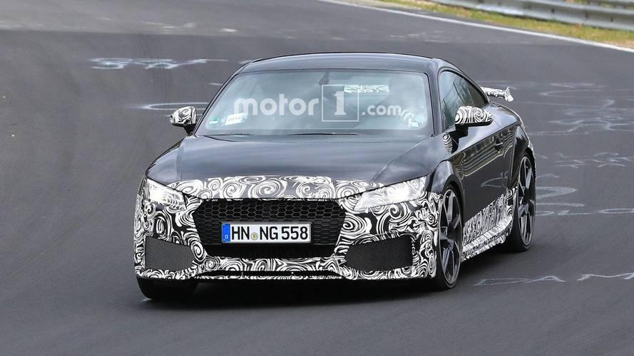 Makyajlı Audi TT RS, Nurburgring'de test edilirken yakalandı