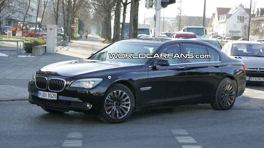 BMW 7-Series Security Spotted for First Time