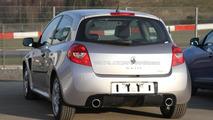 2012 Renault Clio RS mule - 04.04.2011