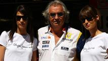 Girls in the paddock with Flavio Briatore (ITA), Spanish Grand Prix, Barcelona, Spain, 26.04.2008