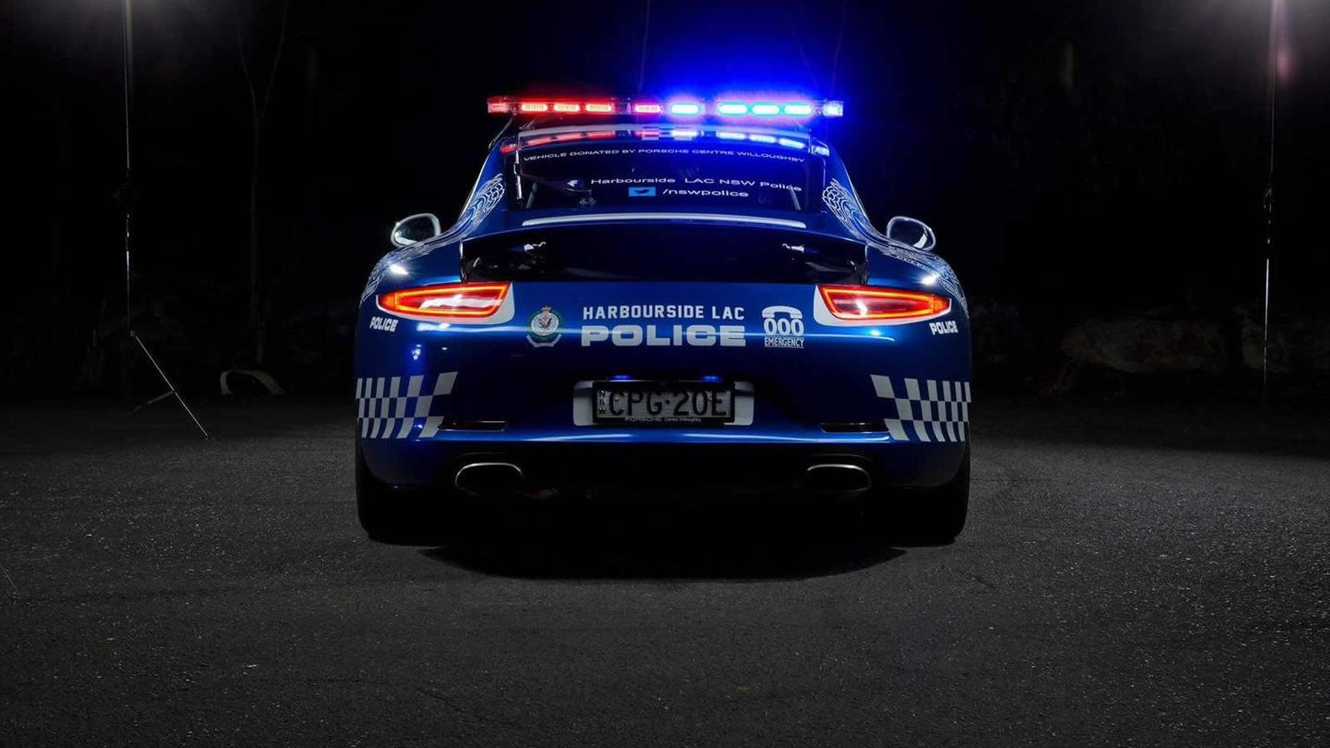 Полицейский Porsche 911 Carrera