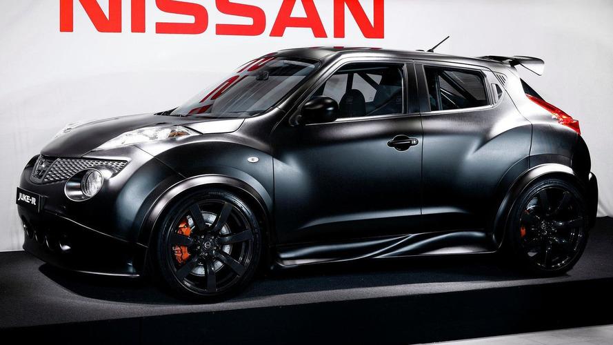 Nissan Juke-R enjoys a wet Silverstone [video]