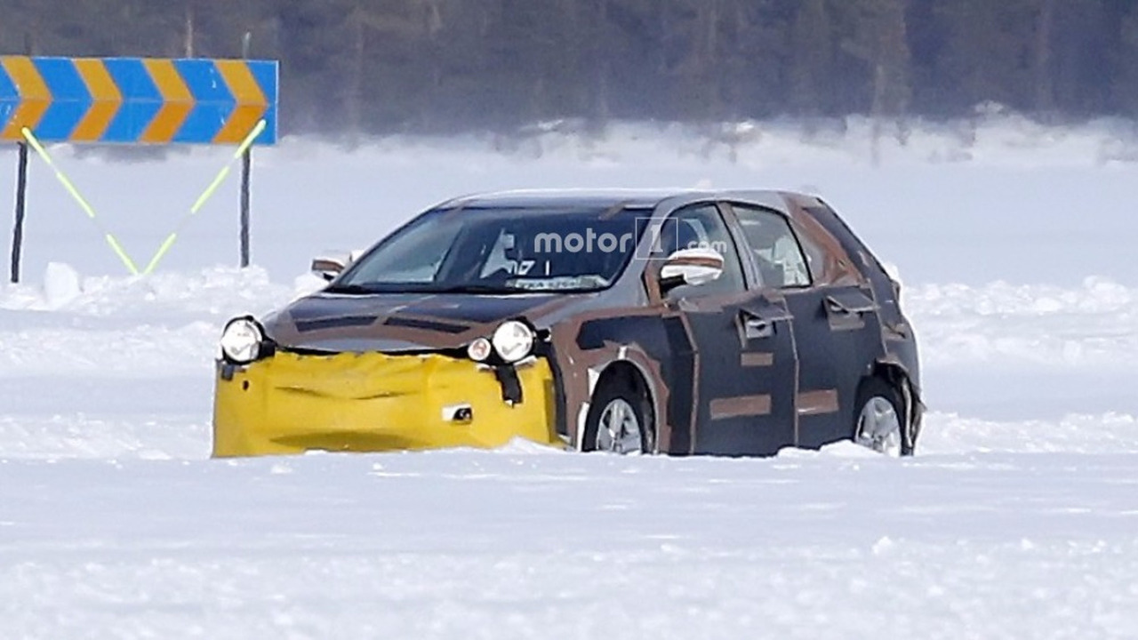 2019 Toyota Auris spy photo