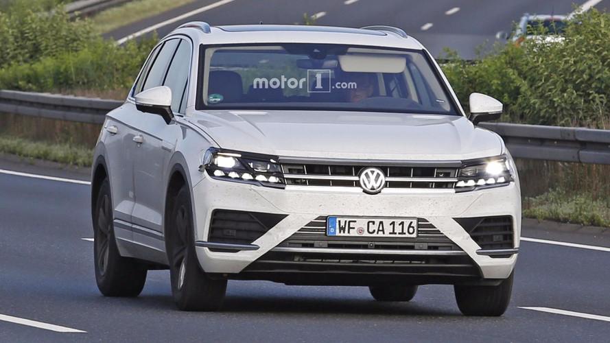 2018 VW Touareg new spy images