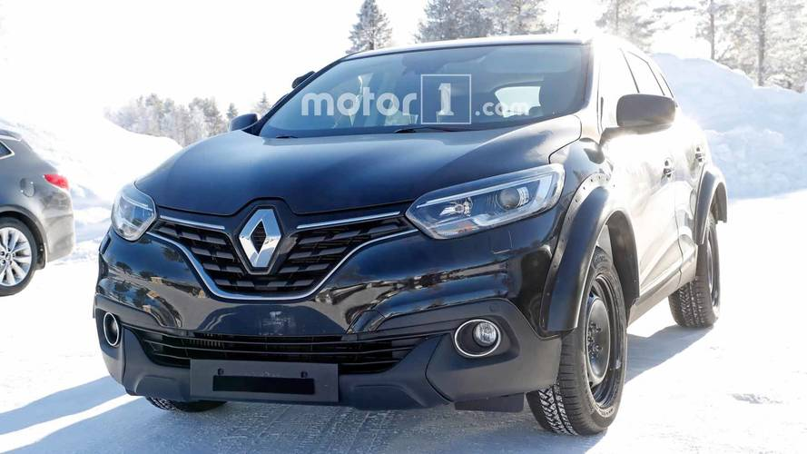 Mysterious Renault SUV Test Mule Spied Packing Four-Wheel Steering