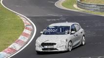 Ford Focus version sportive en photos espion