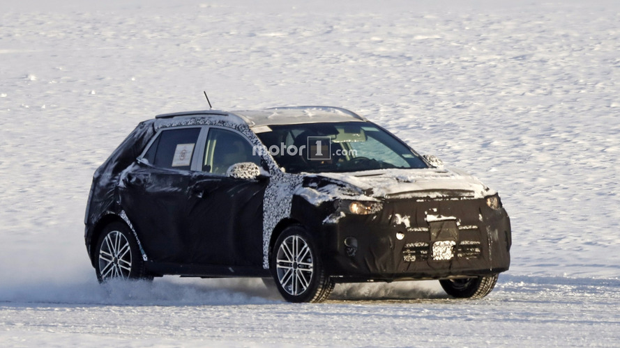 2018 Kia Stonic spied for the first time