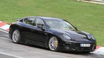 Porsche Panamera facelift spied in traffic [video]
